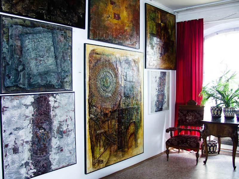 Galerie obrazů v ateliéru Antonína Stříže